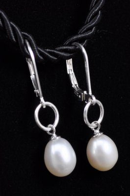 Freshwater Pearls dangle Leverback Sterling Silver Earrings